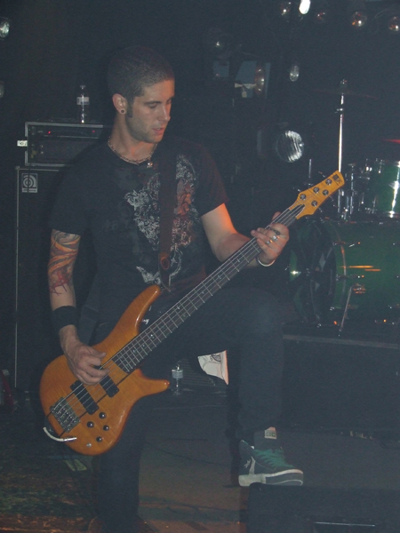 blissed_bassist_notGUITARIST